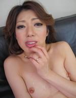 美熟女西尾玲奈さんが登場!バイブオナニーでイキまくり!濃いザーメンを口内射精で受け止めてくれます!