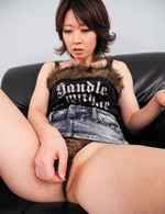 Rio Kagawa Asian gets dildos in asshole and in crack same time