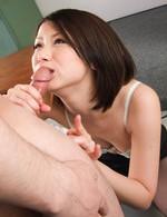 スレンダー美熟女夏樹カオルさんが女教師で登場。居残りの二人の生徒に性指導。フェラ&素股で濃いザーメンを抜き取ります!