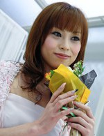 Lusty Japanese babe Miina Yoshihara eating berries and toying