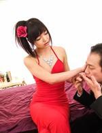 真紅の女王様篠めぐみちゃんが顔騎責めで痴女プレイ。ご奉仕のバキュームフェラから、生ハメでイキまくる!
