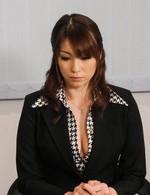 熟女紹介所の爆乳Hカップ荒木瞳さんが生ハメ講習会に参加。電マ責めからご奉仕フェラ。爆乳を揺らせまくって、ザーメン中出し!