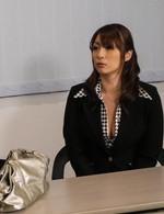 爆乳Hカップセールスウーマン荒木瞳さんが生ハメ講習会に参加。ご奉仕フェラから生ハメ、イキまくって中出しで、講習合格!