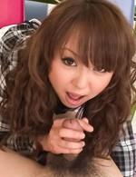 美乳スレンダーギャル葉山潤子ちゃんが男優の汚い尻穴を舐めあげて、カメラ目線でバキュームフェラでご奉仕プレイ!