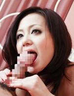 ボンキュボンボディ夏川るいちゃんが、お返しの唾液フェラ。騎乗位で生挿入すると、巨乳を揺らせよがりまくり!