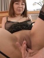 Minami Kitagawa Asian has labia of shaved twat spread for fuck