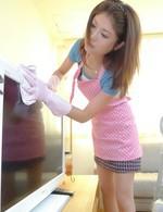 清楚系パイパン美人妻華咲真冬さんが日課の午後のオナニー。パンティを脱ぎ捨て、おマンコにバイブ&電マを押し当て、イキまくり!