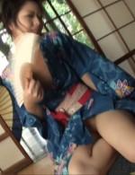 パイパン美女Hanaちゃんが、浴衣で夕涼み。そのままマッパになって美尻を突き出し、パイパンおマンコを貴方に曝け出します!
