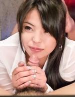 ニコニコ動画で人気爆発片桐えりりか嬢が、カメラ目線でご奉仕フェラ!卑猥なおマンコを丸見せで、濃いザーメンを口内射精!