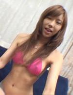 ピンクのブラ&パンティが激エロな早川瀬里奈ちゃん。ネバネバしたザーメンをお口でキャッチすると、メチャ嬉しそう!