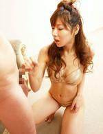 ゴールドのゴージャスなブラ&パンティを剥ぎ取られる早川瀬里奈。焼き鳥ファックで感じまくって連続中出しに半失神!