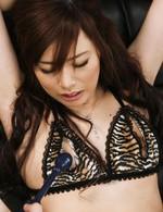 美人OL宮澤ケイトちゃん。セクシーランジェリーに着替えさせて、バイブ、電マ責め。電マアタッチメントでイキまくり!