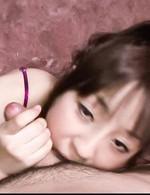 セクシーなランジェリーで登場した藤原ひとみちゃん。英文科の学校へ通う正真正銘のお嬢さまが、宜しくお願いしますっと、フェラ開始!