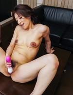 Marina Matsumoto gets cum on tongue from dicks and uses vibrator