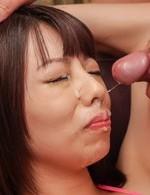 Akina Sakura in strings gets vibrator in crack and sperm on face