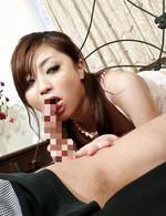 プッシーキャット矢沢るいちゃんは、チンポが大好き。小猫のように長い舌で絶妙フェラ、ザーメンを綺麗なお顔でキャッチ!