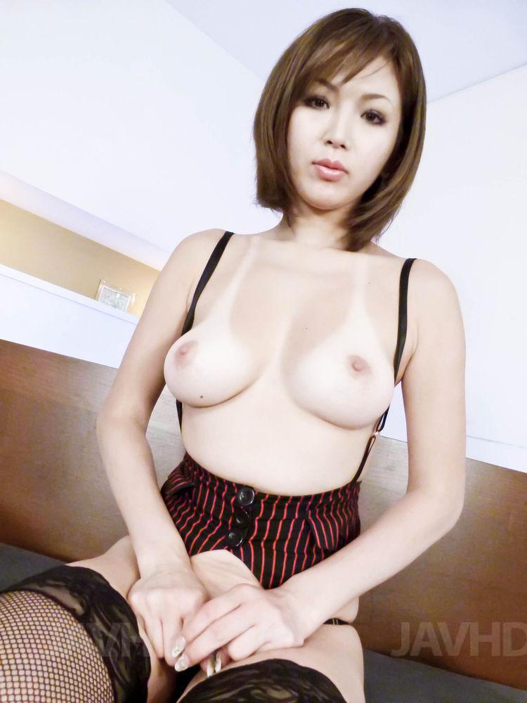 Sexy Assistentin Mai Kuroki ist facesitting Ihr Chef brav