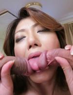 セクシーな美熟女西尾玲奈さんは性教育合宿所の管理人。今回は3P乱交をレクチャー。豪快なWフェラから焼き鳥ファック!