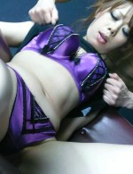 Sakura Aragaki spreads smooth legs to have her bushy box fingered
