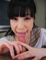 JK制服姿のレモンちゃん、スカートを捲りあげ、パンティを見せつけてくれます。放課後の教室で、ご奉仕フェラ。