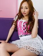 AKB48板野激似の愛原エレナちゃん。おマンコチェック&指マン責めで潮吹き!生ハメで喘ぎまくり。フィニッシュはザーメン中出し!