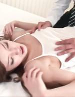 巨乳綺麗系お姉様遥めいちゃんの爆乳を弄び愛撫責め。ご奉仕のフェラでは、チンポを愛おしそうに舐めあげます!
