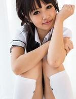 A○Bのセンターを取れそうなロリ系美少女の朝倉ことみちゃんが登場。カメラ目線でフェラしてくれます!