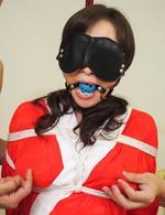 赤襦袢姿で目隠し&拘束プレイの爆乳Fカップ美熟女美山蘭子さん。焼き鳥ファックで豪快な喘ぎ声をあげて、イキまくる!